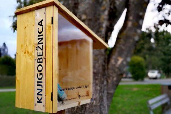 Postavili smo prvo knjigobežnico